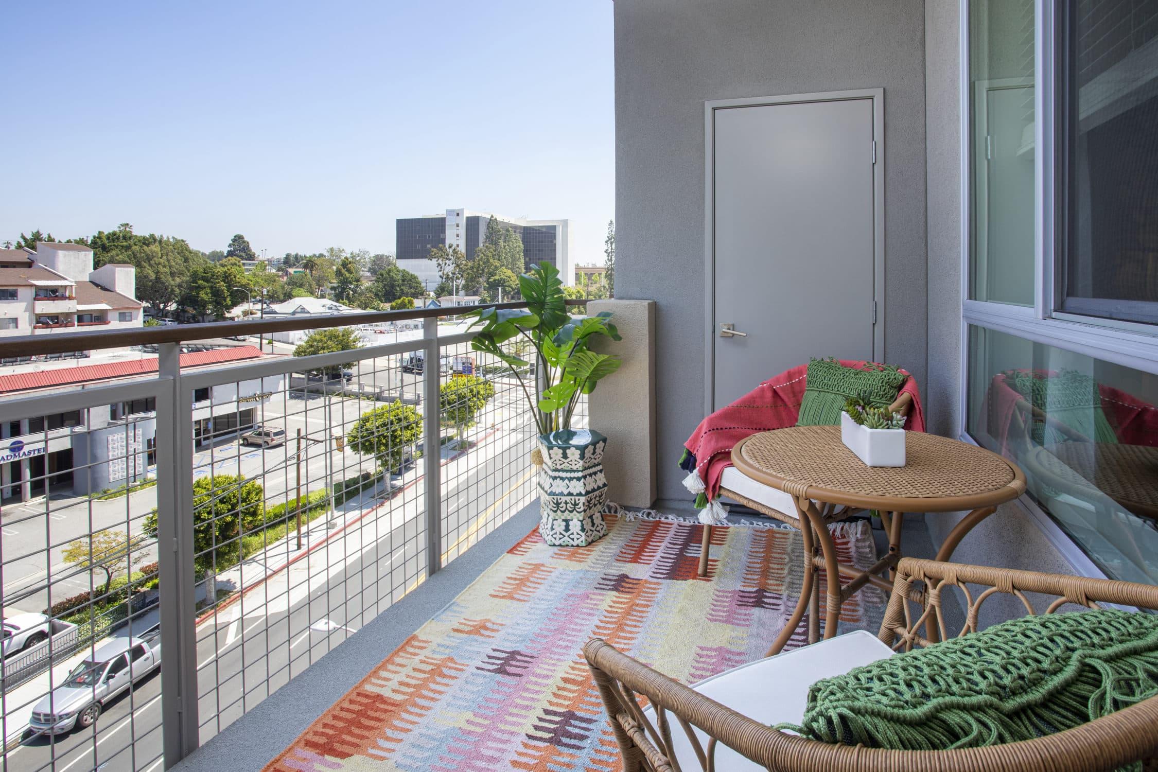 Alexan Bahay Apartments 02_23